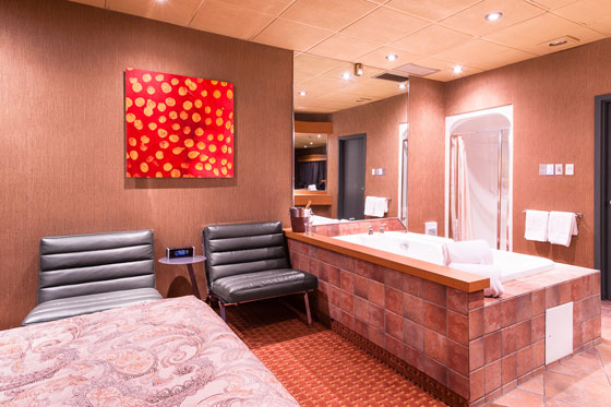 queen-room-with-spa-405 (2)